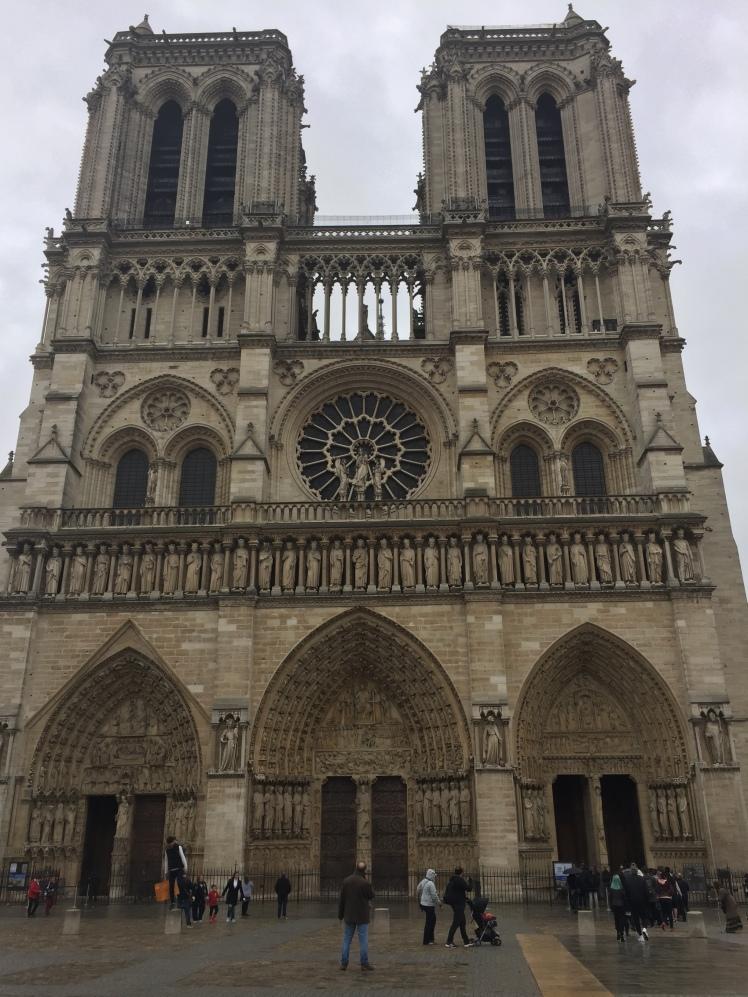 Notre Dame, París www.weareinfinite.blog