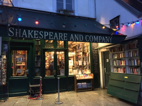 Shakespeare and Company, París www.weareinfinite.blog