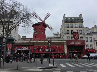 Moulin Rouge, París www.weareinfinite.blog