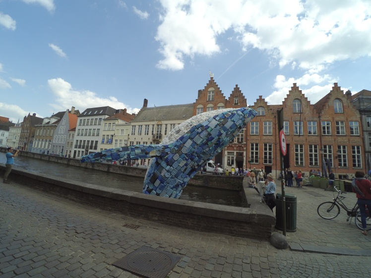 Skyscraper (The Bruges Whale) – StudioKCA, Triennale Brujas 2018, Brujas, Bélgica www.weareinfinite.blog