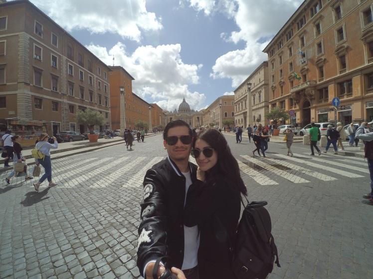 Via della Conciliazione, Roma, Italia www.weareinfinite.blog